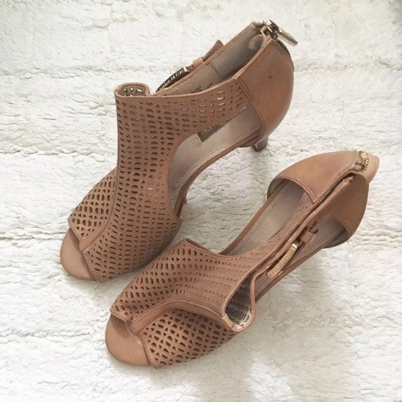 7f79e2c2b845 Louise et Cie Olivia Peep Toe Heeled Sandals